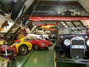 Automuseum Eintritt Haupthalle