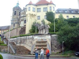 U_Martinsbrunnen und Basilika
